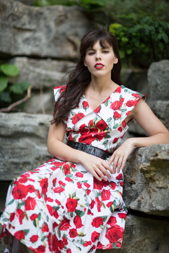 Robe pinup roses rouges 03