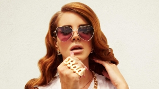 lana_del_rey_girl_glasses_heart_jewerly_10052_1920x1080